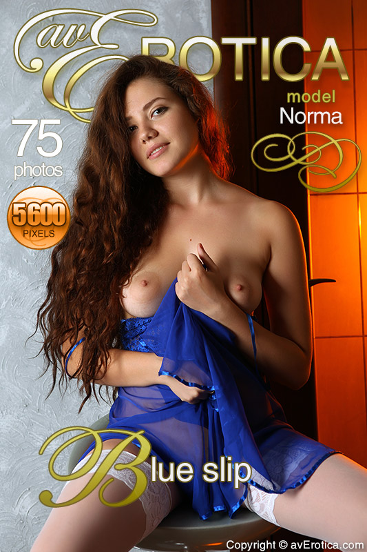 avErotica gallery - Blue slip - 75 photos - Norma